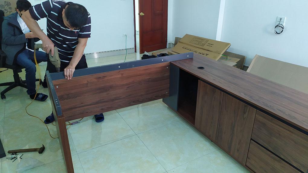 lắp đặt bàn giám đốc luxb1818v3 tại kđt hà phong